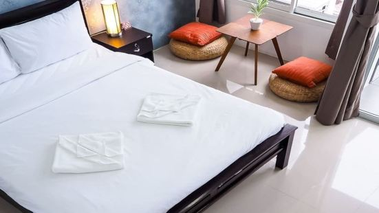 226A Patong Holiday 1 Bedroom Queen Room