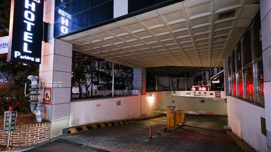 No. 25 Icheon Terminal-Shop