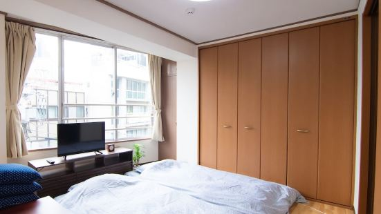 Yoyogi Apartment 2-401