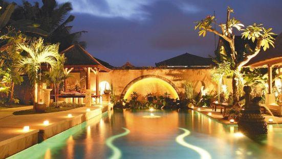 Bebek Tepi Sawah Restaurant & Villas