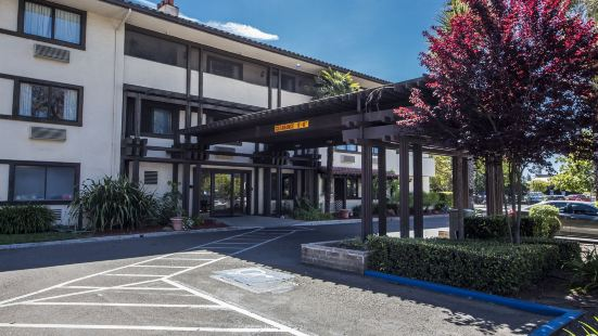 羅德威汽車旅館