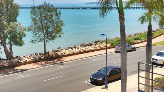 Santalina on Hervey Bay