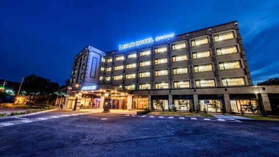 Leslie Hotel