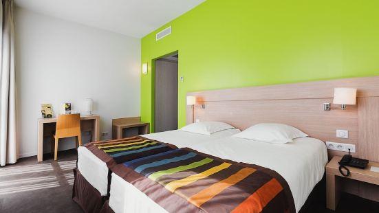 Esatitude Hotel