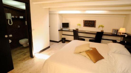 烏夏爾多梅酒店