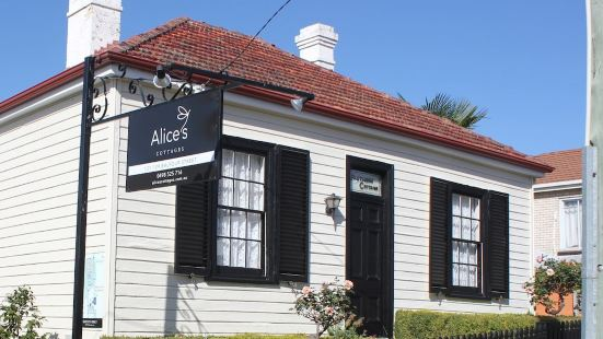 Alice's Cottages and Spa Hideaways