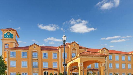 俄克拉何馬市北拉昆塔套房酒店 - 奎爾斯普林