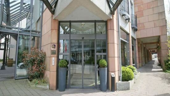 代特莫爾德H&S酒店