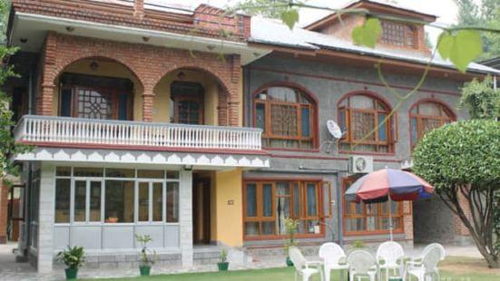 Muzaffar Royal Hotel