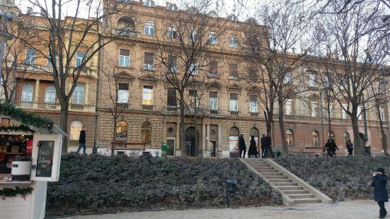 Tomislav Art Apartment