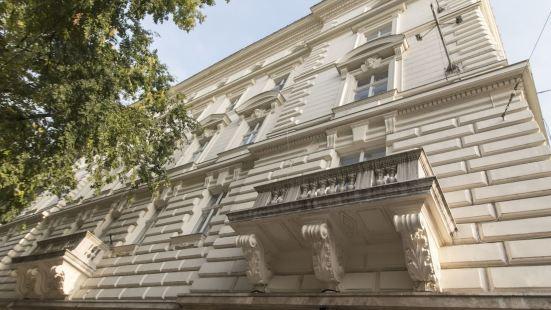 Hi5 Apartments - Andrassy Luxury Suite