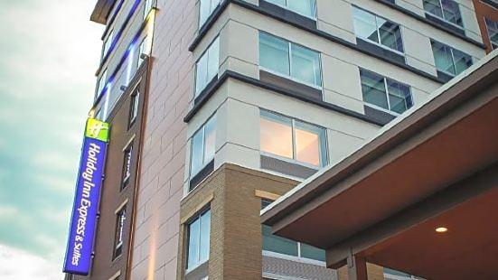 路易斯威爾市中心智選假日酒店及套房