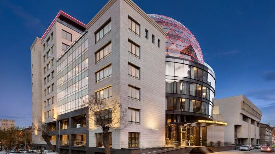 温德姆第比利斯大酒店