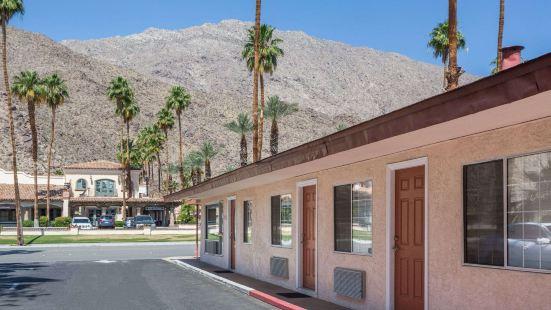 Knights Inn Palm Springs