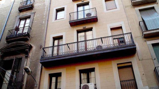 蘭布拉大道MH公寓