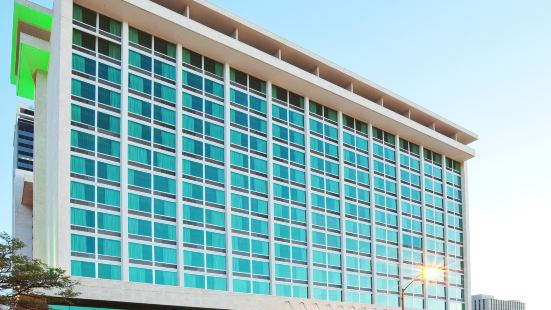 塔爾薩城中心假日酒店