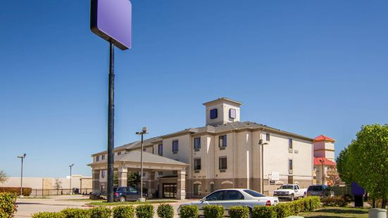 Clarion Inn & Suites Weatherford South