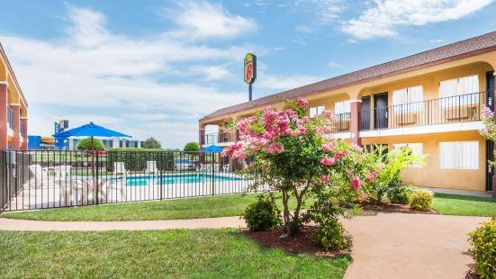 俄克拉荷馬城東速8酒店 - 米德韋斯特城