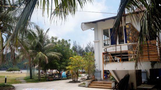 Tung Thu Beach Bungalow