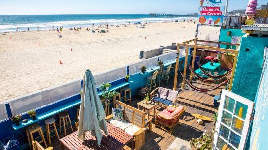 ITH Beach Bungalow Surf Hostel San Diego