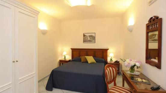 艾爾杜卡託蒂拉維洛酒店