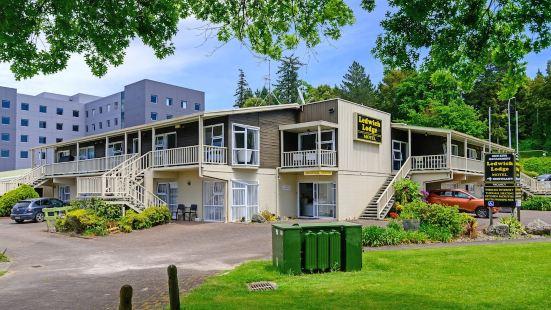 羅託魯瓦湖邊汽車旅館