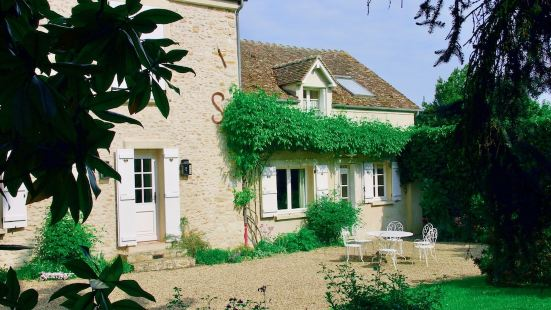 GLYCINES COUNTRY GUESTHOUSE