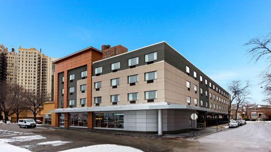 La Quinta Inn & Suites by Wyndham Chicago - Lake Shore