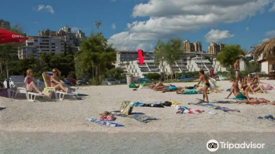 Cro Jet Set on The Beach