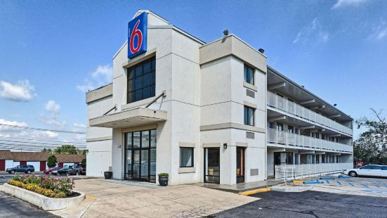 6號汽車旅館費城 - 洛倫爾山,新澤西州