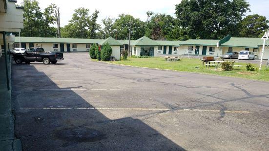 橡樹園汽車旅館