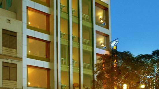 뱀부 그린 호텔