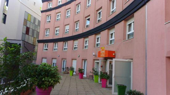 勞拉德斯公寓式酒店