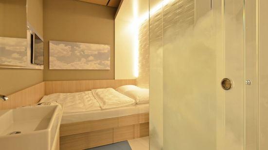 我的雲端過境酒店 - 衹允許乘坐國際航班的客人入住!