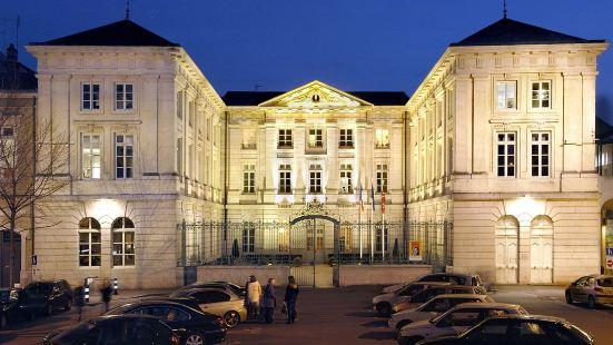 勃艮第馬孔酒店