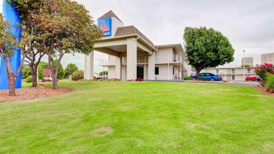 俄克拉荷馬德韋斯特城 - 俄克拉荷馬市 6 號開放式客房酒店