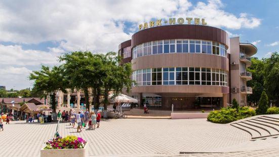 阿那帕公園酒店