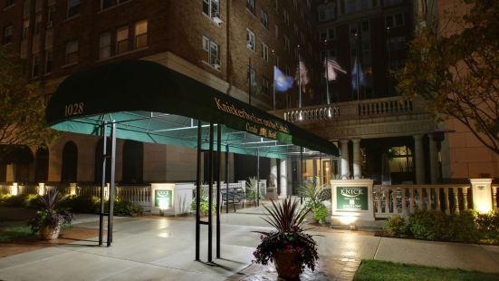 尼克博克湖畔酒店