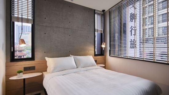 Monka Hotel