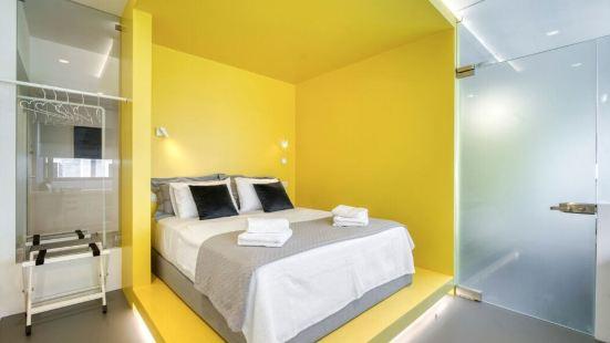 雅典彩色立方酒店
