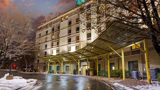 波士頓薩默維爾拉昆塔套房酒店
