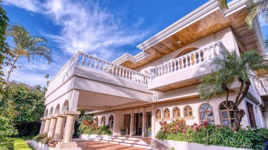 Buena Vista Chic Hotel
