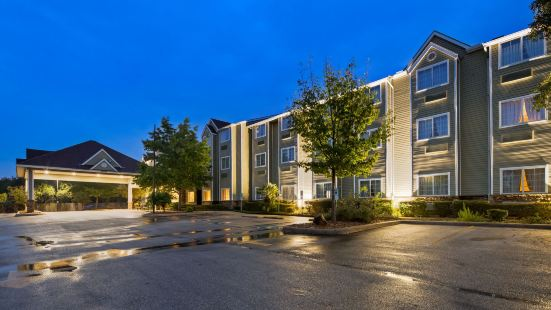 Microtel Inn & Suites by Wyndham Airport North