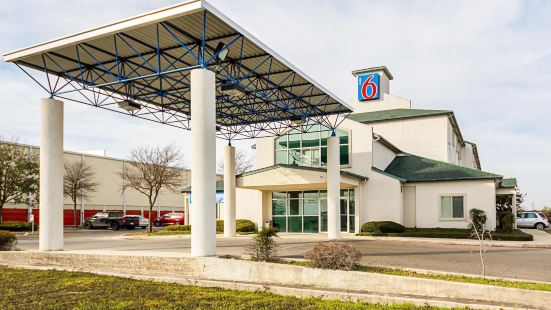 Motel 6 San Antonio - Sea World North