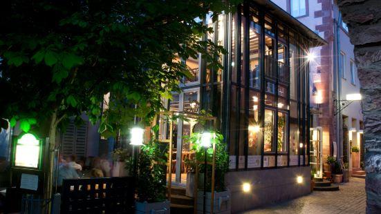 巴納紹夫老城酒店