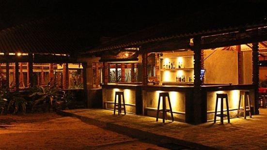 Yoho Rivi Ras Hotel