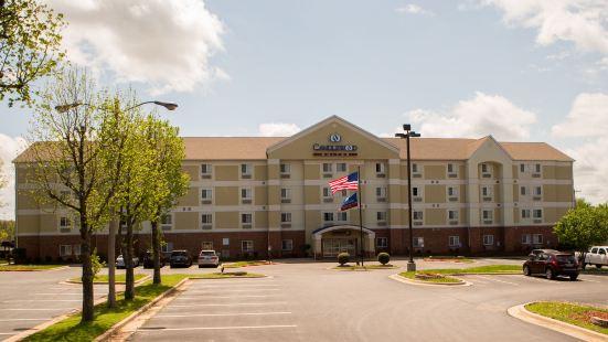 喬普林燭木套房酒店