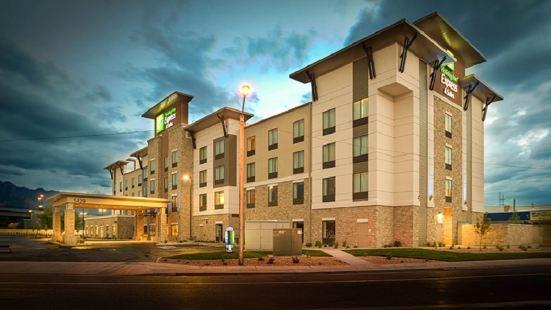 Holiday Inn Express & Suites Salt Lake City South-Murray