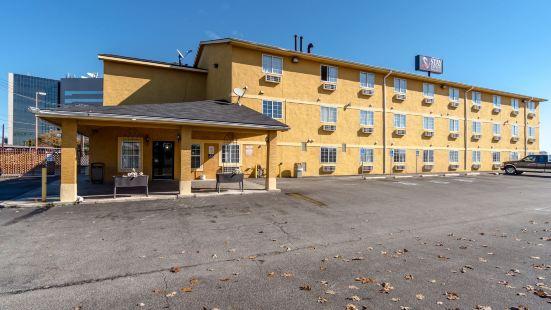 Express Inn & Suites San Antonio SeaWorld Medical Center
