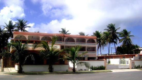 魯奎羅日出海灘旅館